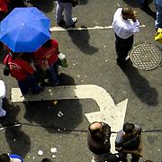 VENEZUELAN POLITICS / POLITICA EN VENEZUELA<br /> Supporters of officers during concentration in support of President Chavez / Simpatizantes del Oficialismo durante concentracion en apoyo al presidente Chavez<br /> Caracas - Venezuela 2006<br /> (Copyright © Aaron Sosa)