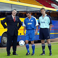 St Johnstone launch new strip and new sponsor 04.07.02<br />New signings John Robertson (centre) models the new home strip alongside Ian Maxwell modelling the new away strip pictured with Neil Wood, Managing Director of new sponsors Citylink<br />see story by Gordon Bannerman Tel: 01738 493213 or contact Charles Mann on 0131 558 3111<br /><br />Picture by Graeme Hart.<br />Copyright Perthshire Picture Agency<br />Tel: 01738 623350  Mobile: 07990 594431