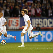 Mix Diskerud, USA, in action during the USA Vs Ecuador International match at Rentschler Field, Hartford, Connecticut. USA. 10th October 2014. Photo Tim Clayton