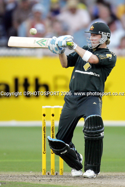 NZ opening batsman Lou Vincent in action during his innings of 90 at the international one day cricket match between New Zealand and Australia at the MCG, Melbourne, Sunday 4 February 2007. NZ won the toss and batted first and scored 291/7. Photo: Andrew Cornaga/PHOTOSPORT<br />