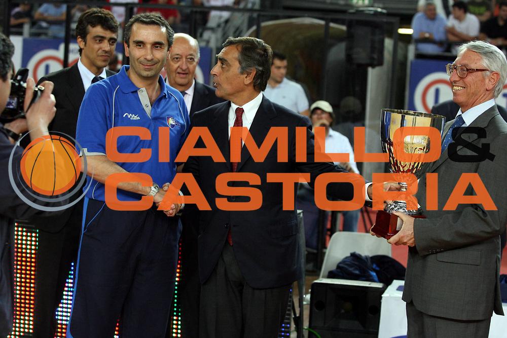 DESCRIZIONE : Roma Lega A1 2006-07 Playoff Quarti di Finale Gara 3 Lottomatica Virtus Roma Eldo Napoli<br />GIOCATORE : Claudio Toti<br />SQUADRA : Lottomatica Virtus Roma<br />EVENTO : Campionato Lega A1 2006-2007 Playoff Quarti di Finale Gara 3 <br />GARA : Lottomatica Virtus Roma Eldo Napoli<br />DATA : 22/05/2007 <br />CATEGORIA : Ritratto<br />SPORT : Pallacanestro <br />AUTORE : Agenzia Ciamillo-Castoria/G.Ciamillo