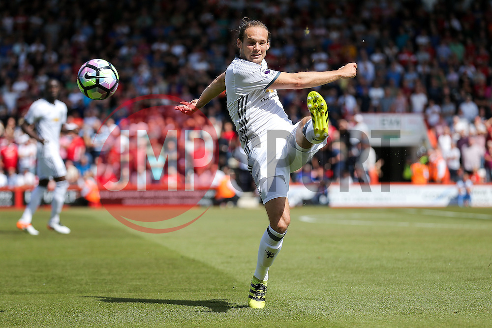 Daley Blind of Manchester United in action - Rogan Thomson/JMP - 14/08/2016 - FOOTBALL - Vitality Stadium - Bournemouth, England - Bournemouth v Manchester United - Premier League Opening Weekend.