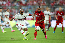 04.08.2015, Allianz Arena, Muenchen, GER, AUDI CUP, FC Bayern Muenchen vs AC Mailand, im Bild Arturo Vidal (FC Bayern Muenchen #23) gegen Nigel de Jong (AC Mailand #34) // during the 2015 AUDI Cup Match between FC Bayern Muenchen and AC Mailand at the Allianz Arena in Muenchen, Germany on 2015/08/04. EXPA Pictures © 2015, PhotoCredit: EXPA/ Eibner-Pressefoto/ Schüler<br /> <br /> *****ATTENTION - OUT of GER*****