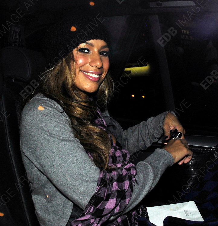 27.10.2008. LONDON<br /> <br /> LEONA LEWIS LEAVING LONDON STUDIOS, SOUTHBANK WITH HER BOYFRIEND, MUM &amp; DAD AFTER FILMING FOR AN ITV SHOW<br /> <br /> BYLINE: EDBIMAGEARCHIVE.CO.UK<br /> <br /> *THIS IMAGE IS STRICTLY FOR UK NEWSPAPERS AND MAGAZINES ONLY*<br /> *FOR WORLD WIDE SALES AND WEB USE PLEASE CONTACT EDBIMAGEARCHIVE - 0208 954 5968*