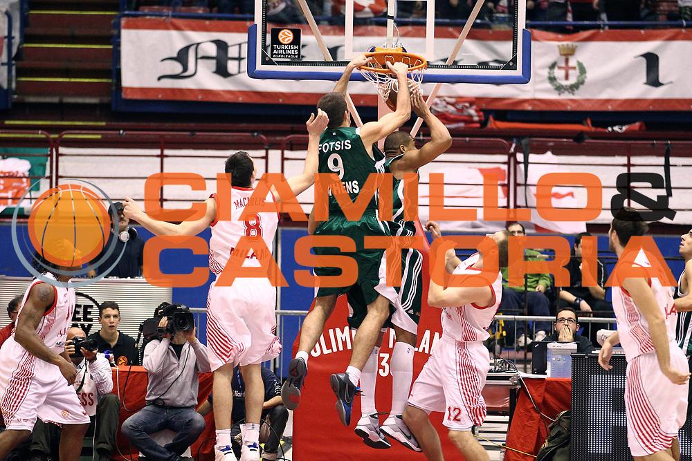 DESCRIZIONE : Milano Eurolega 2010-11 Armani Jeans Milano Panathinaikos Atene<br /> GIOCATORE : Antonis Fotsis<br /> SQUADRA : Panathinaikos Atene<br /> EVENTO : Eurolega 2010-2011<br /> GARA :  Armani Jeans Milano Panathinaikos Atene<br /> DATA : 18/11/2010<br /> CATEGORIA : Schiacciata<br /> SPORT : Pallacanestro <br /> AUTORE : Agenzia Ciamillo-Castoria/G.Cottini<br /> Galleria : Eurolega 2010-2011<br /> Fotonotizia : Milano Eurolega Euroleague 2010-11 Armani Jeans Milano Panathinaikos Atene<br /> Predefinita :