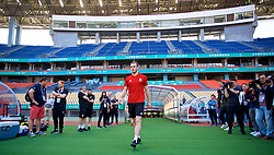 NANNING, CHINA - Tuesday, March 20, 2018: Wales Gareth Bale walks out of the tunnel for a training session at the Guangxi Sports Centre ahead of the opening 2018 Gree China Cup International Football Championship match against China. (Pic by David Rawcliffe/Propaganda)