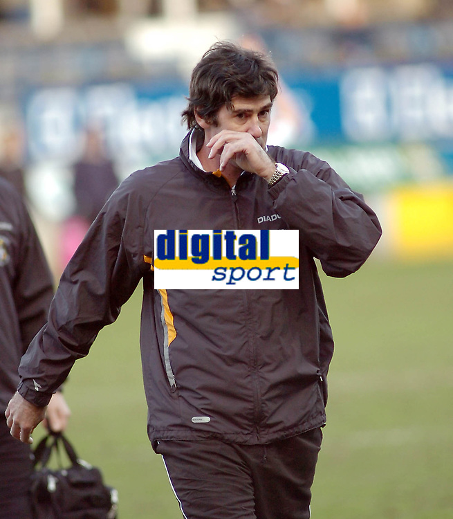 Photo: Kevin Poolman.<br />Luton Town v Wolverhampton Wanderers. Coca Cola Championship. 03/03/2007. Luton manager Mike Newell.