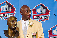 07 August 2010: Former San Francisco 49ers wide receiver Jerry Rice stands with his bust during his Hall of Fame enshrinement into the Pro Football Hall of Fame in Canton, Ohio.