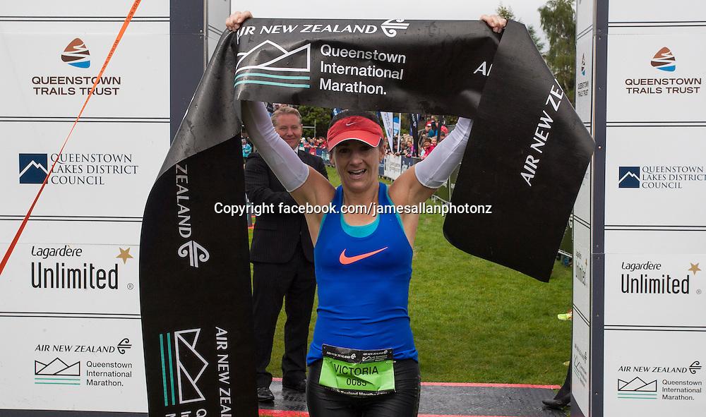 22.11.2014 Queenstown, New Zealand Womans Marathon winner Victoria Beck