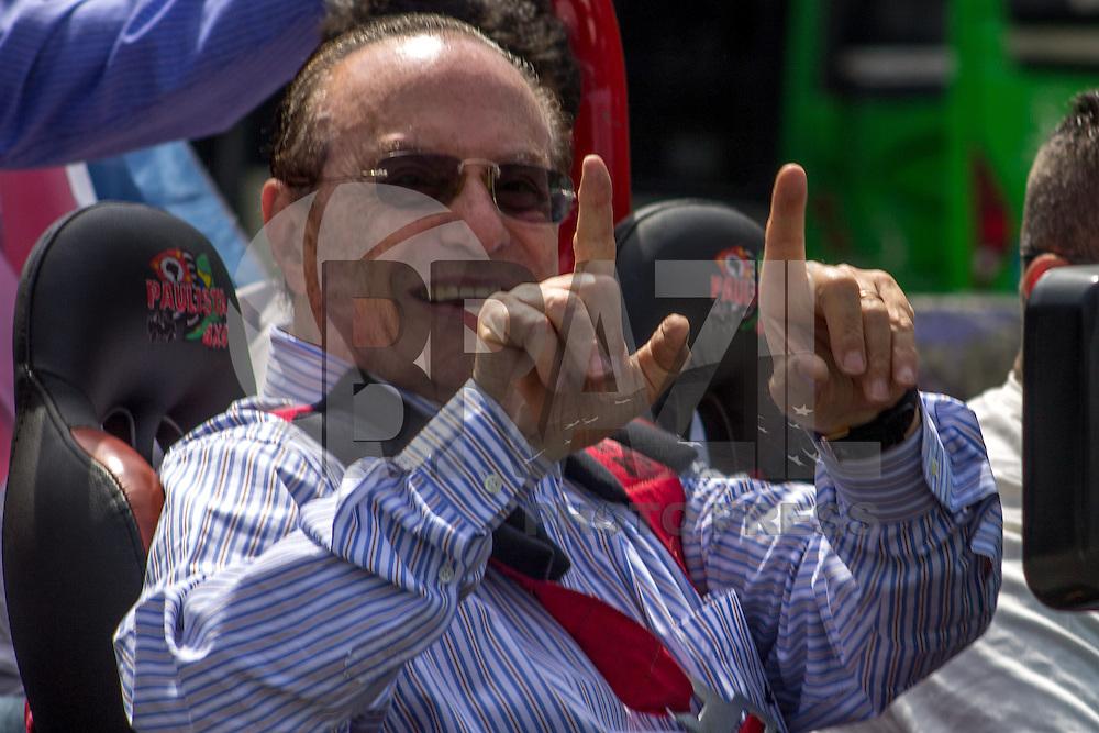 SAO PAULO,SP - 30.09.2014 -ELEIÇÕES 2014 - PAULO MALUF - O deputado federal  Paulo Maluf, candidato a reeleição pelo Partido Progressista (PP) faz carreata no bairro da Lapa região oeste de São Paulo nesta terça-feira (30).  Maluf, que teve sua candidatura a reeleição barrada semana passada pelo Tribunal Superior Eleitoral com a base na Lei da Ficha Limpa, continua em campanha.  (Foto: Renato Mendes / Brazil Photo Press)