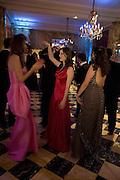MARIA-TERESA FRERING, ALEXANDRA KOLASINKI AND GEMIMA LEMOS MCMAHON. Crillon Debutante Ball 2007,  Crillon Hotel Paris. 24 November 2007. -DO NOT ARCHIVE-© Copyright Photograph by Dafydd Jones. 248 Clapham Rd. London SW9 0PZ. Tel 0207 820 0771. www.dafjones.com.