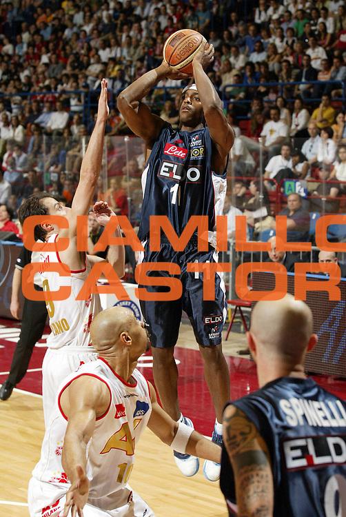 DESCRIZIONE : Milano Lega A1 2006-07 Armani Jeans Milano Eldo Napoli<br /> GIOCATORE : O'Bannon<br /> SQUADRA : Eldo Napoli<br /> EVENTO : Campionato Lega A1 2006-2007 <br /> GARA : Armani Jeans Milano Eldo Napoli<br /> DATA : 29/04/2007 <br /> CATEGORIA : Tiro<br /> SPORT : Pallacanestro <br /> AUTORE : Agenzia Ciamillo-Castoria/G.Cottini<br /> Galleria : Lega Basket A1 2006-2007 <br /> Fotonotizia : Milano Campionato Italiano Lega A1 2006-2007 Armani Jeans Milano Eldo Napoli<br /> Predefinita :