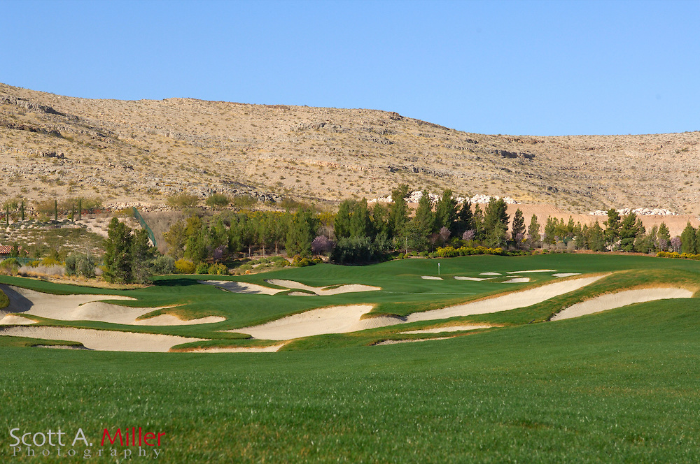 Southern Highlands Golf Club Hole No. 13..                ©2006 Scott A. Miller