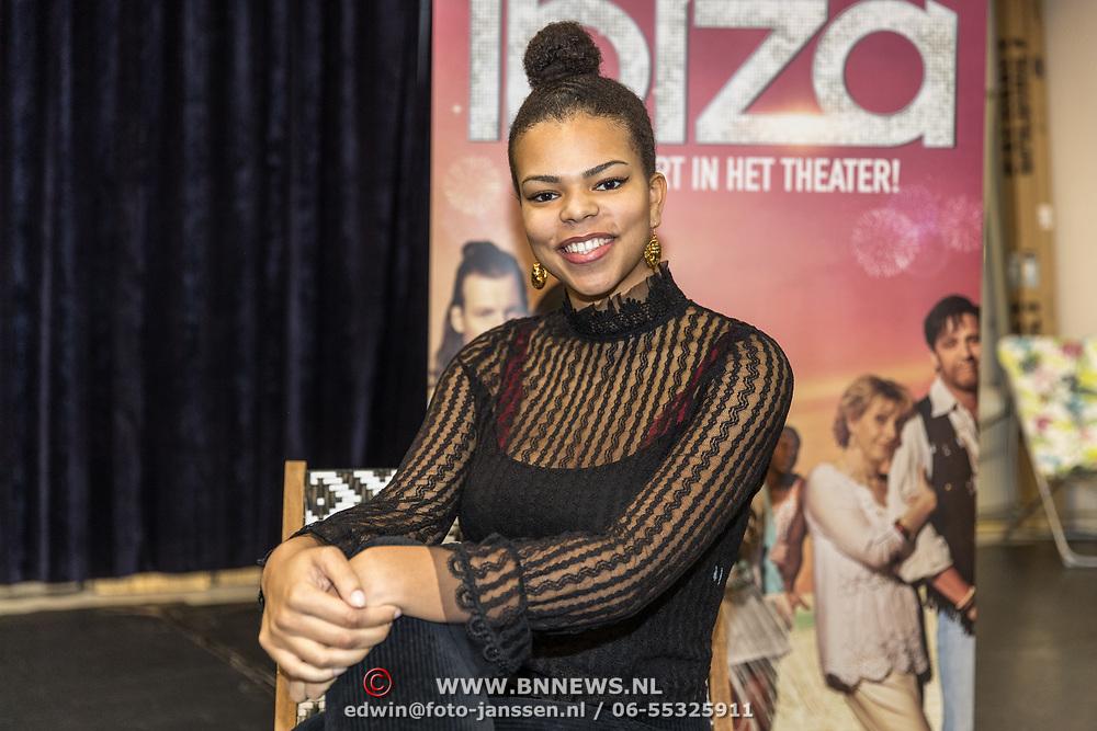 NLD/Amsterdam/20191204 - Repetities musical Verliefd op Ibiza, Charlene Sancho