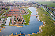 Nederland, Utrecht, Vleuten-De Meern, 04-03-2008; stadsuitbreiding met waterpartij, vlakbij /  aan de A12; onderdeel van de Vinex lokatie Ledsche Rijn; skyline Utrecht in de achtergrond;. .luchtfoto (toeslag); aerial photo (additional fee required); .foto Siebe Swart / photo Siebe Swart