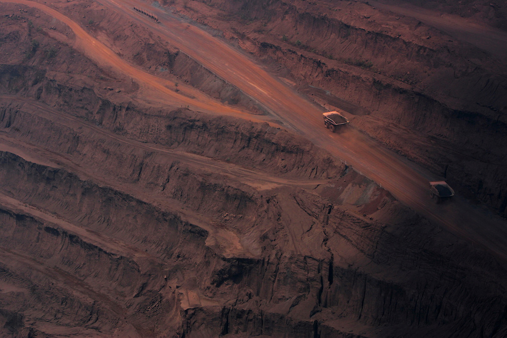 Aug. 21, 2005. Serra Dos Carajas, Brazil. Open-air iron mining operations by the company Vale Do Rio Doce. Forty-five million tons of iron ore are extracted anually from the mine.