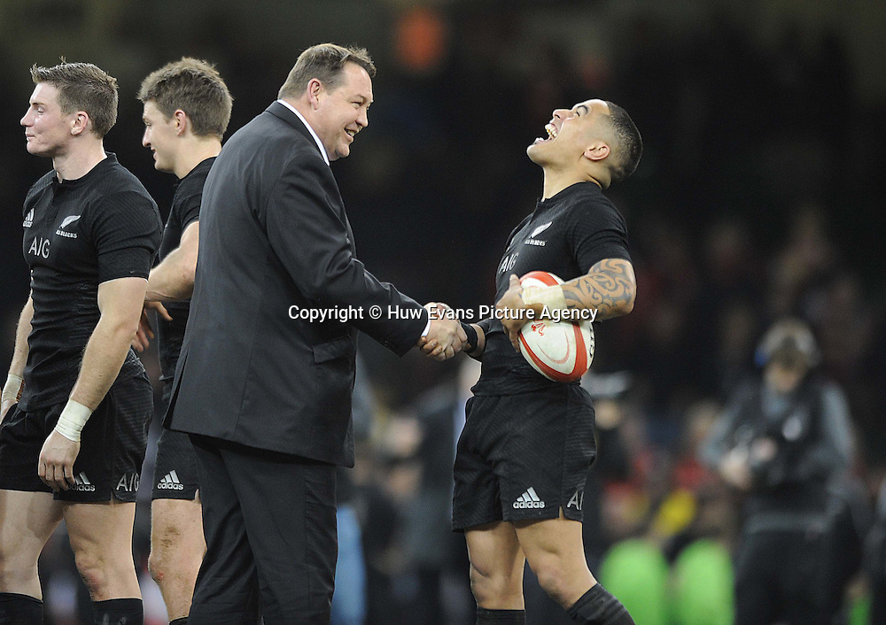 22.11.14 - Wales v New Zealand -<br /> New Zealand's Steve Hansen all smiles with Aaron Smith at the end of the game.<br /> &copy; Huw Evans Agency