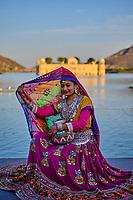 Inde, Rajasthan, Jaipur la ville rose, Jal Mahal, le palais d'été des Maharajas de Jaipur, séance photo // India, Rajasthan, Jaipur the Pink City, Jal Mahal, the summer palace of the Maharajas of Jaipur, photo shoot