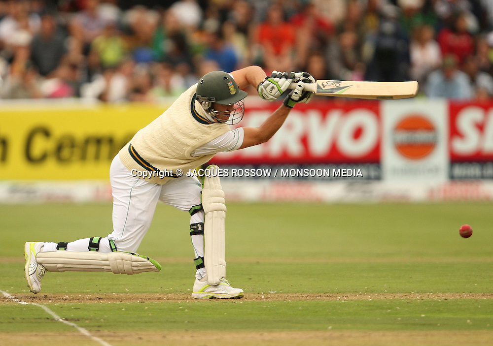 AB de Villiers in action during Day 1 of the third and final Test between South Africa and India played at Sahara Park Newlands in Cape Town, South Africa, on 2 January 2011. Photo by Jacques Rossouw / MONSOON MEDIA