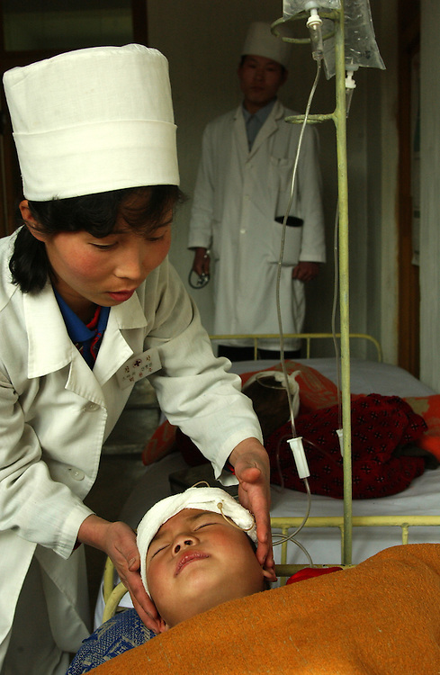 North Korea:.North Hwanghae Province..Yonsan County hospital; pediatric ward. These babies are suffering from acute diarrhoea and it is questionable whether they will survive....©Jeremy Horner.15 Mar 2004Pyongyang, North Korea, DPRK
