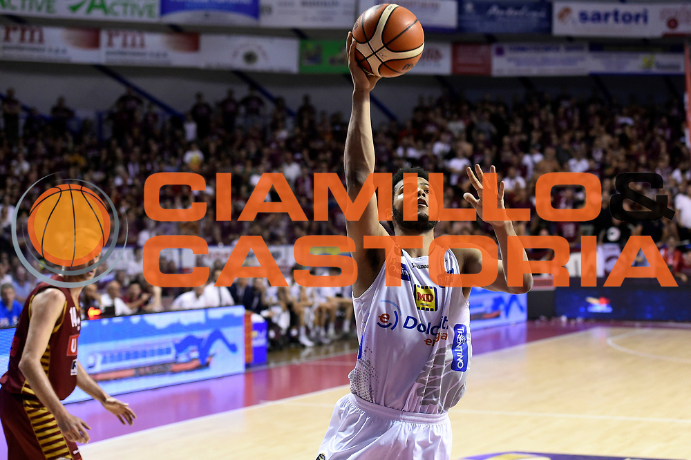 Shavon Shields<br /> Umana Reyer Venezia - Dolomiti Energia Aquila Basket Trento<br /> Lega Basket Serie A 2016/2017<br /> Playoff, finale gara 5<br /> Venezia, 18/06/2017<br /> Foto M.Ceretti / Ciamillo-Castoria