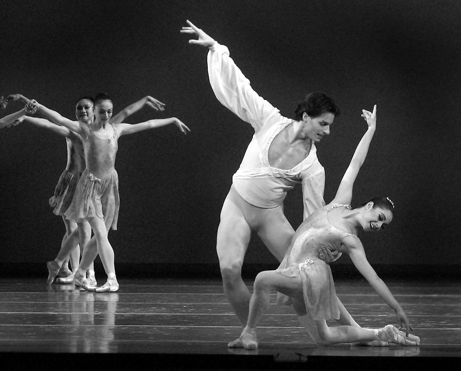 "Simon Ball and Pollyana Ribeiro Dance during Boston Ballet's ""All Balanchine"" 2003.© Michael J Seamans.www.michaelseamans.com"