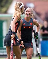 St.-Job-In 't Goor / Antwerpen -  Nederland Jong Oranje Dames (JOD) - Groot Brittannie (7-2).  Yibbi Jansen (Ned) scoort 1-0. rechts Lisa Post (Ned). COPYRIGHT  KOEN SUYK