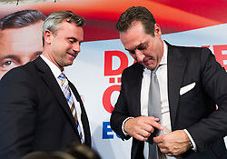 24.05.2016, Freiheitlicher Parlamentsklub, Wien, AUT, FPÖ, Pressekonferenz nach Niederlage der Präsidentschaftswahl 2016. im Bild v.l.n.r. FPÖ-Präsidentschaftskandidat Norbert Hofer und Klubobmann FPÖ Heinz-Christian Strache // f.l.t.r. Candidate for Presidential Elections Norbert Hofer (Austrian Freedom Party) and Leader of the parliamentary group FPOe Heinz Christian Strache during press conference according to presidential elections of the austrian freedom party in Vienna, Austria on 2016/05/24. EXPA Pictures © 2016, PhotoCredit: EXPA/ Michael Gruber