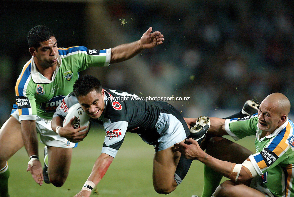 21 September 2003, NRL Rugby League, NZ Warriors v Canberra Raiders, Aussie Stadium,Sydney, Australia.<br />