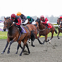 Take A Note and Jim Crowley winning the 6.20 race