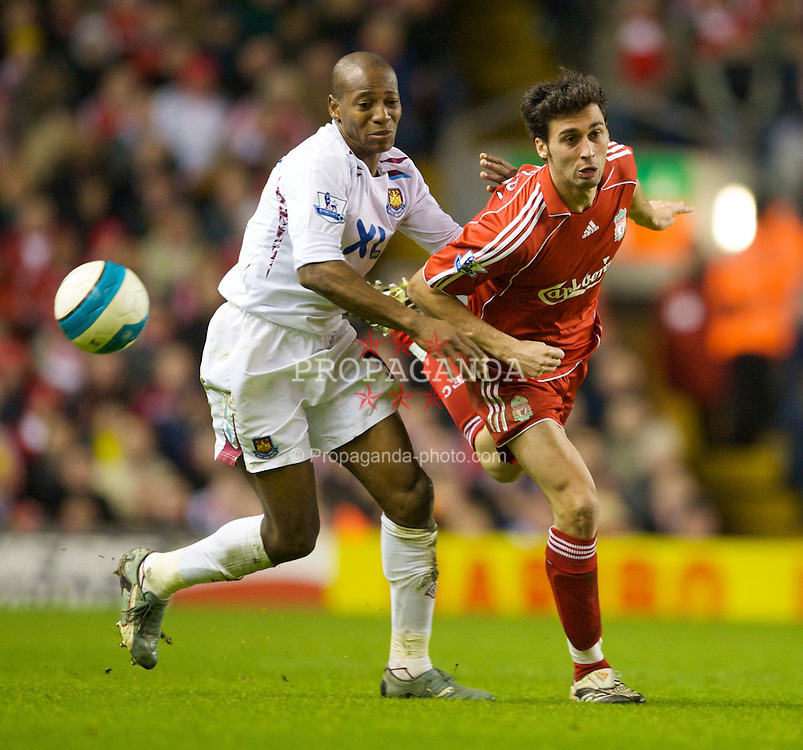 LIVERPOOL, ENGLAND - Wednesday, March 5, 2008: Liverpool's Alvaro Arbeloa and West Ham United's Luis Boa Morte during the Premiership match at Anfield. (Photo by David Rawcliffe/Propaganda)