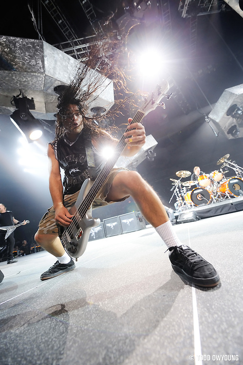 Metallica performing at the Scottrade Center in St. Louis. November 17, 2008. © Todd Owyoung/Retna Ltd.