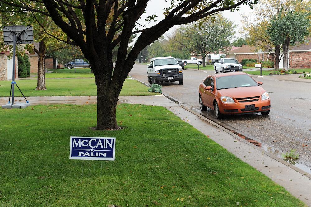 McCain/Palin Schild vor einem Privathaus in Perryton..Republikaner-Hochburg Perryton, Texas. ..© Stefan Falke