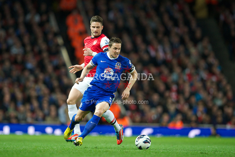 LONDON, ENGLAND - Tuesday, April 16, 2013: Everton's Phil Jagielka in action against Arsenal during the Premiership match at the Emirates Stadium. (Pic by David Rawcliffe/Propaganda)