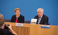 DEU, Deutschland, Germany, Berlin, 10.07.2019: Bundesfamilienministerin Dr. Franziska Giffey (SPD) und Bundesinnenminister Horst Seehofer (CSU) in der Bundespressekonferenz zu den Ergebnissen der Kommission Gleichwertige Lebensverhältnisse.