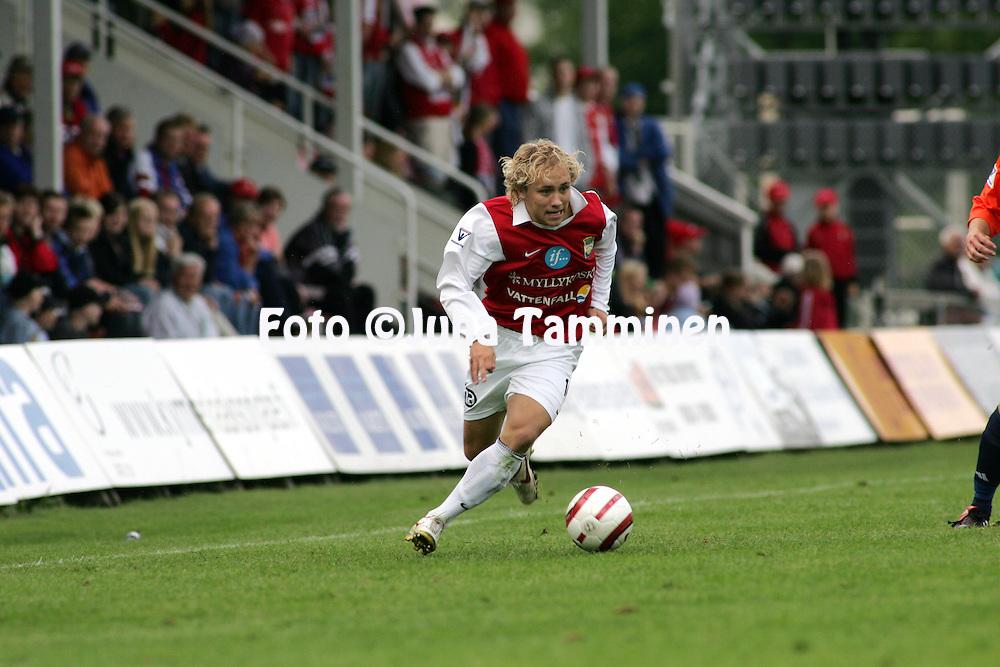 16.06.2005, Anjalankoski, Finland..Veikkausliiga 2005 / Finnish League 2005.Myllykosken Pallo-47 v AC Allianssi.Eetu Muinonen - MyPa.©Juha Tamminen.....ARK:k