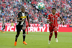 14.04.2018, Allianz Arena, Muenchen, GER, 1. FBL, FC Bayern Muenchen vs Borussia Moenchengladbach, 30. Runde, im Bild Denis Zakaria ( Borussia Moenchengladbach #8 ) David Alaba (FC Bayern Muenchen #27) // during the German Bundesliga 30th round match between FC Bayern Munich and Borussia Moenchengladbach at the Allianz Arena in Muenchen, Germany on 2018/04/14. EXPA Pictures &copy; 2018, PhotoCredit: EXPA/ Eibner-Pressefoto/ Langer<br /> <br /> *****ATTENTION - OUT of GER*****