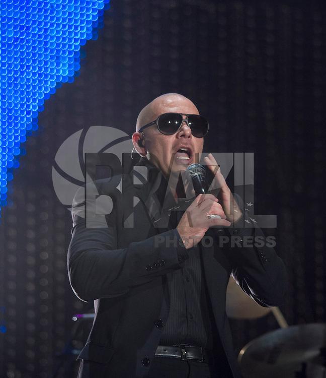 MADRI, ESPANHA, 07 DE JULHO 2012 - ROCK IN RIO MADRI - O cantor PIt Bull durante apresentacao no Rock In Rio Madri, na noite de ontem sexta-feira, 06. (FOTO: ALFAQUI / BRAZIL PHOTO PRESS).
