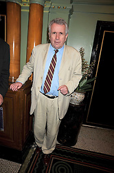 MARTIN BELL at the 2009 Oldie of The Year Award lunch held at Simpson's in The Strand, London on 24th February 2009.