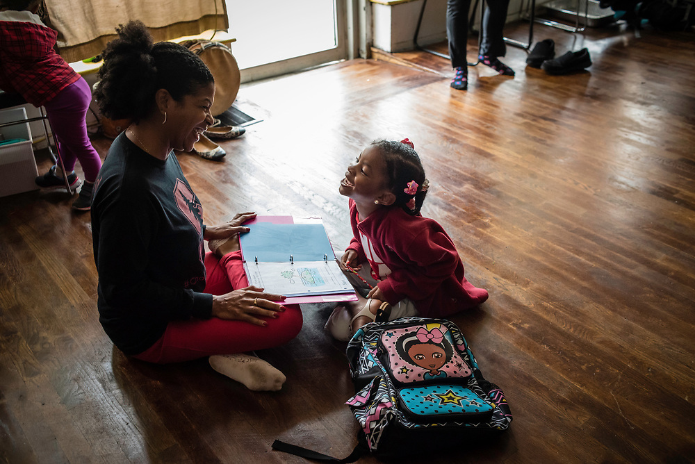 WASHINGTON, DC -- OCTOBER 13: At Sankofa Homeschool Community/Collective, DeLise Bernard has her three children, R.J., 10, Rielle, 7, and RaeLynn, 5, enrolled in writing and drama courses that meet once a week. Sankofa provides a curriculum with an emphasis on African American/Pan-African history and culture…. (photo by Andre Chung for The Washington Post)