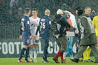FOOTBALL - FRENCH CHAMPIONSHIP 2012/2013 - L1 - PARIS SAINT GERMAIN v OLYMPIQUE MARSEILLE - 24/02/2013 - PHOTO JEAN MARIE HERVIO / REGAMEDIA / DPPI - DAVID BECKHAM (PSG) / JOEY BARTON (OM) AT THE END OF THE MATCH