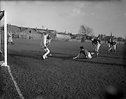 30/01/1953<br /> 01/30/1953<br /> 30 January 1953<br /> Interprovincial Men's Hockey at Londonbridge Road, Dublin. Picture shows Connacht v Leinster.