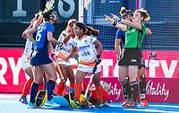 Londen -  Neha Goyal (ind) heeft gescoord tijdens de cross over wedstrijd India-Italie (3-0) bij het WK Hockey 2018 in Londen . In  COPYRIGHT KOEN SUYK