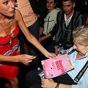 NLD/Amsterdam/20070725 - Modeshow Judith Osborn tijdens de Amsterdam Fashionweek 2007, Judith samen met haar zieke partner Robert Osborn
