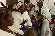 """arrival of new immigrants from Ethiopia, """"Falashmuras"""": Christians converted to Judaism  givaat amatos, Jerusalem  Israel     /// arrivee de nouveau amigrants  """"Falashmuras"""" d'Etiopie   givaat amatos, Jerusalem  Israel Chretiens  du Gundar en cours de conversion au judaisme descendant de la tribu de Dan  /// R00287/    L004319  /  P0007194"""
