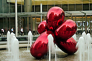Fountain, Park at 7 WTC, designed by landscape architect Ken Smith, Balloon Flower (Red) by sculptor by Jeff Koons, 7 World Trade Center, Manhattan, New York City, New York, USA, designed by Skidmore, Owings, & Merrill, Skidmore, Owings, & Merrill,  developer Silverstein Properties