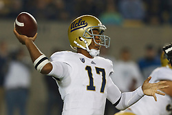 BERKELEY, CA - OCTOBER 06: Quarterback Brett Hundley #17 of the UCLA Bruins passes the ball against the California Golden Bears during the third quarter at California Memorial Stadium on October 6, 2012 in Berkeley, California. The California Golden Bears defeated the UCLA Bruins 43-17. (Photo by Jason O. Watson/Getty Images) *** Local Caption *** Brett Hundley
