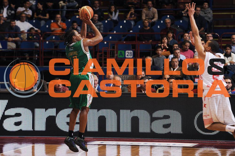 DESCRIZIONE : Milano Lega A 2009-10 Armani Jeans Milano Montepaschi Siena<br /> GIOCATORE : David Hawkins<br /> SQUADRA : Montepaschi Siena<br /> EVENTO : Campionato Lega A 2009-2010<br /> GARA : Armani Jeans Milano Montepaschi Siena<br /> DATA : 01/11/2009<br /> CATEGORIA : tiro<br /> SPORT : Pallacanestro<br /> AUTORE : Agenzia Ciamillo-Castoria/A.Dealberto