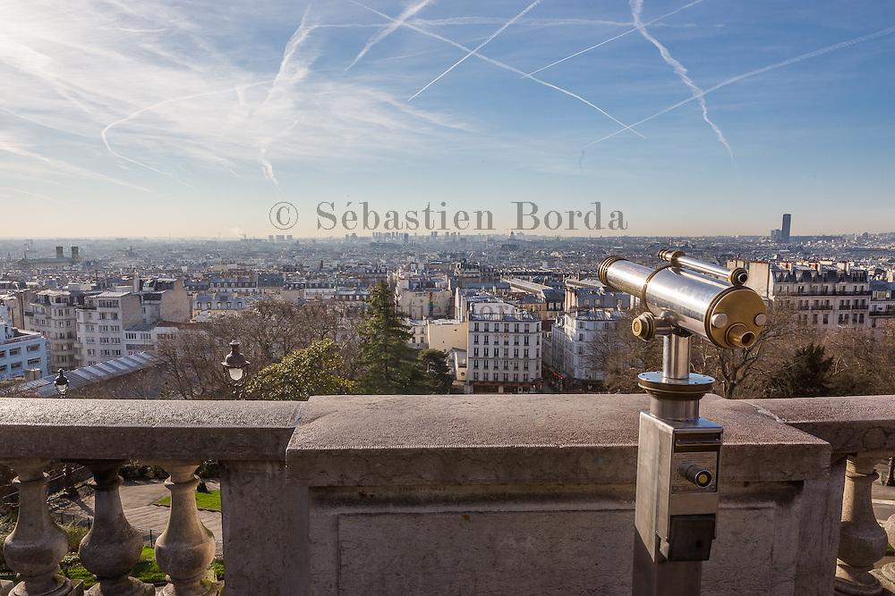 Vue sur Paris depuis la basilique du Sacré-coeur de Montmartre // View of Paris from Sacré- coeur basilica in Montmartre area