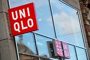 Nederland, Amsterdam, 28-09-2018<br /> In Amsterdam opent de Japanse modeketen UNIQLO haar eerste vestiging in Nederland. Het bedrijf wordt gezien als de Japanse H&amp;M.<br /> <br /> In Amsterdam Uniqlo opens its first store in The Netherlands. The Japanese fashion brand is seen as the Japanese H&amp;M.<br /> Foto: Bas de Meijer / De Beeldunie